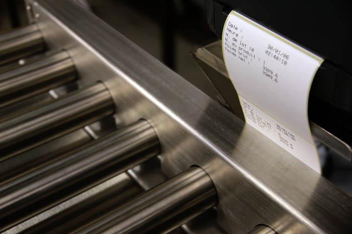 convoyeur de pesage avec etiquetage - Convoyeurs de pesage à rouleaux