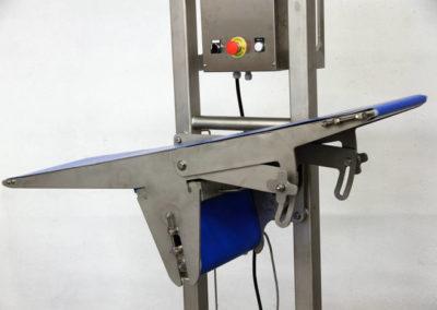 Tapis de liaison entre différentes hauteurs  400x284 - Convoyeurs à bande et à rouleaux