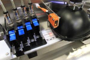 Impression détiquettes en ligne avec quatres tetes 300x200 - Systèmes d'impression avec contrôle de la lisibilité par vision