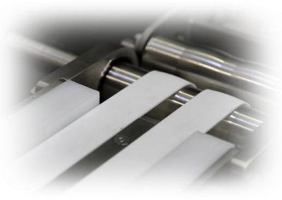Tapis de transfert à courroies 400x284 - Convoyeurs à bande et à rouleaux