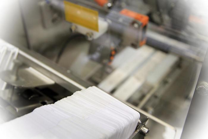 Cartes dimplants marquage sur site - Fabrication de cartes d'implants réglementaires